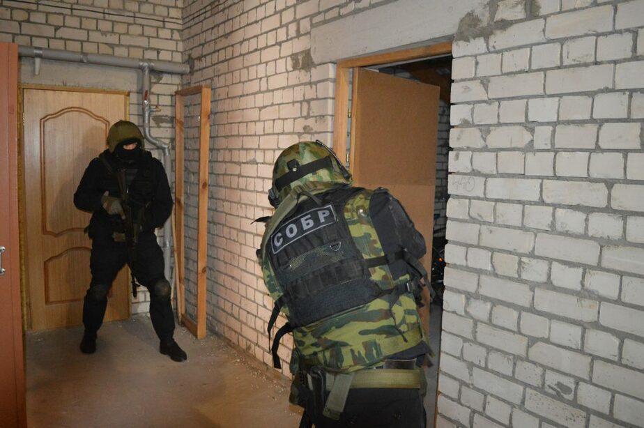 В Дзержинске боец Росгвардии открыл огонь по полиции и застрелился - Новости Калининграда