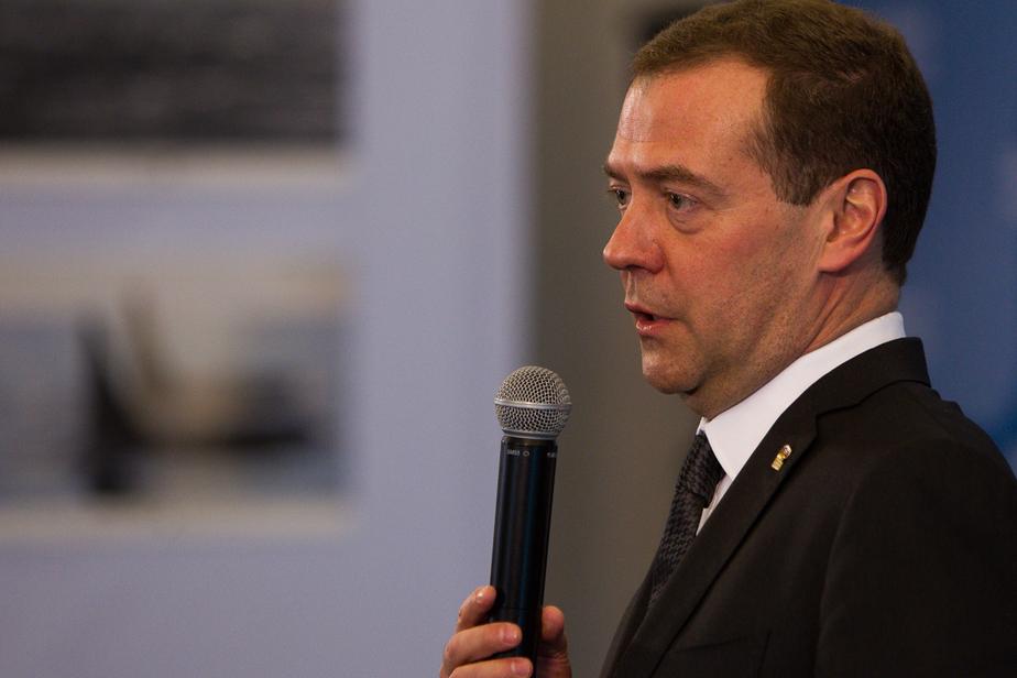 Медведев подписал план действий в экономике России на 2016 год