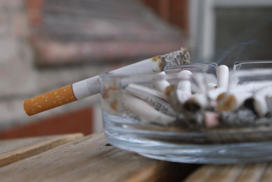 В Калининградской области погибли двое куривших в постели пенсионеров