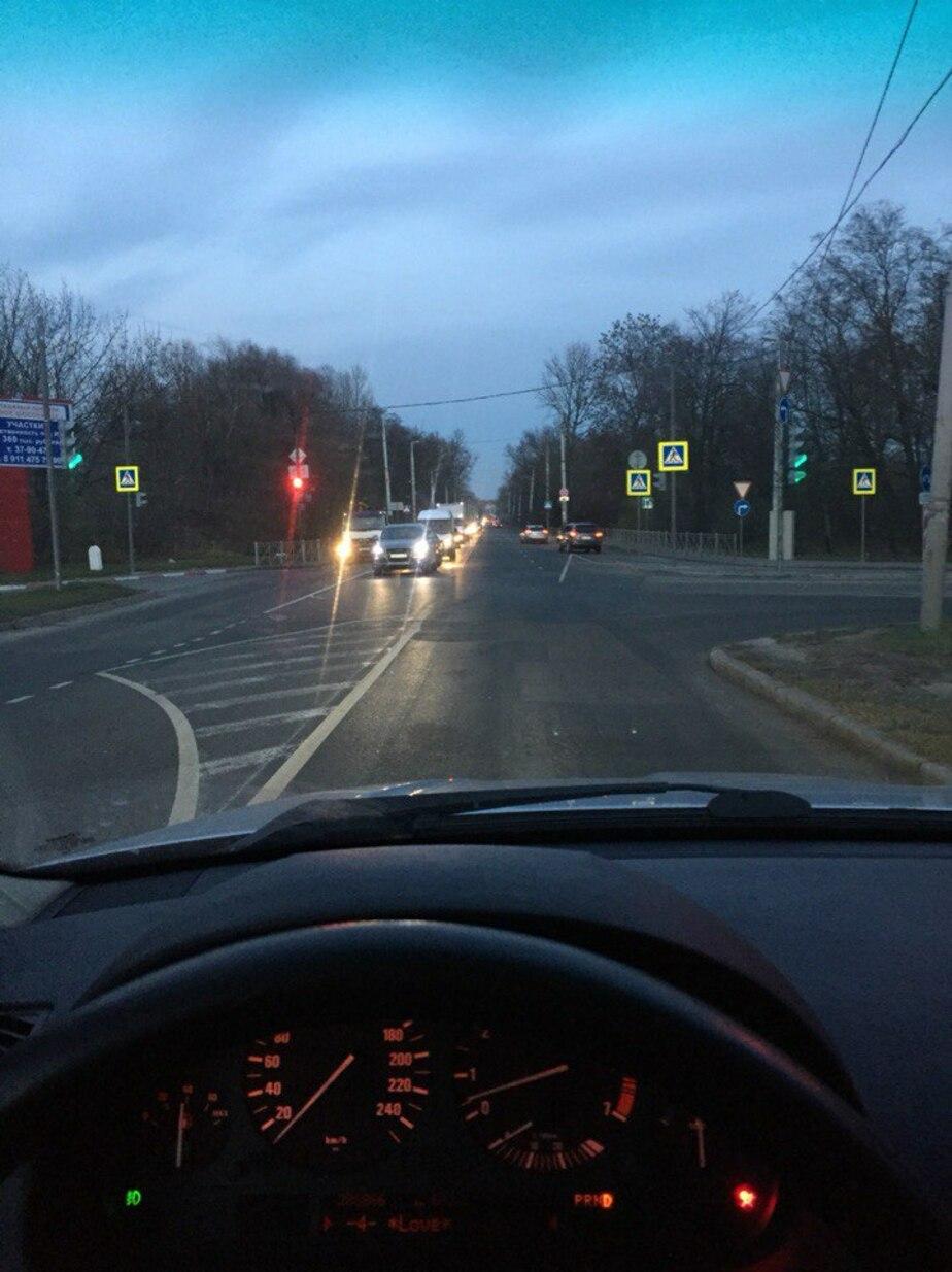 На улице Суворова заработал долгожданный светофор