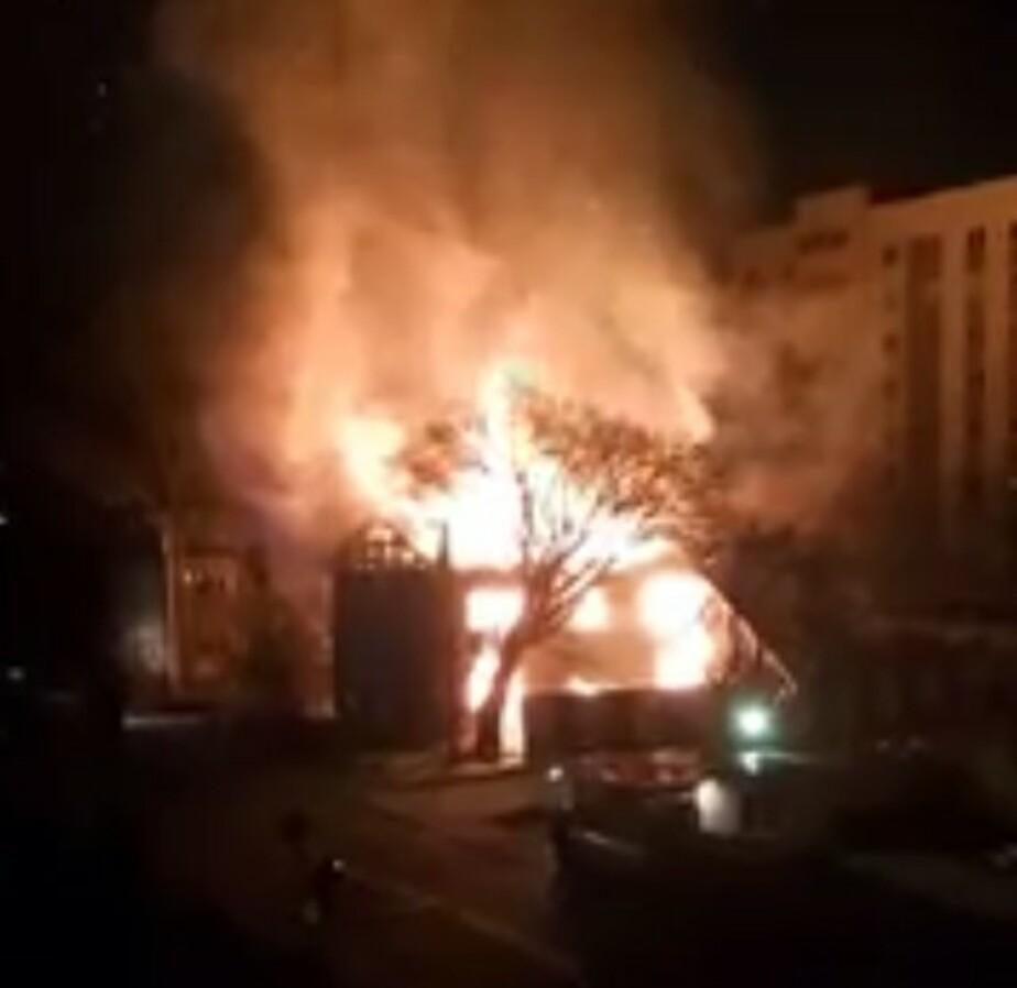На ул. Добролюбова сгорел и обрушился деревянный дом  - Новости Калининграда