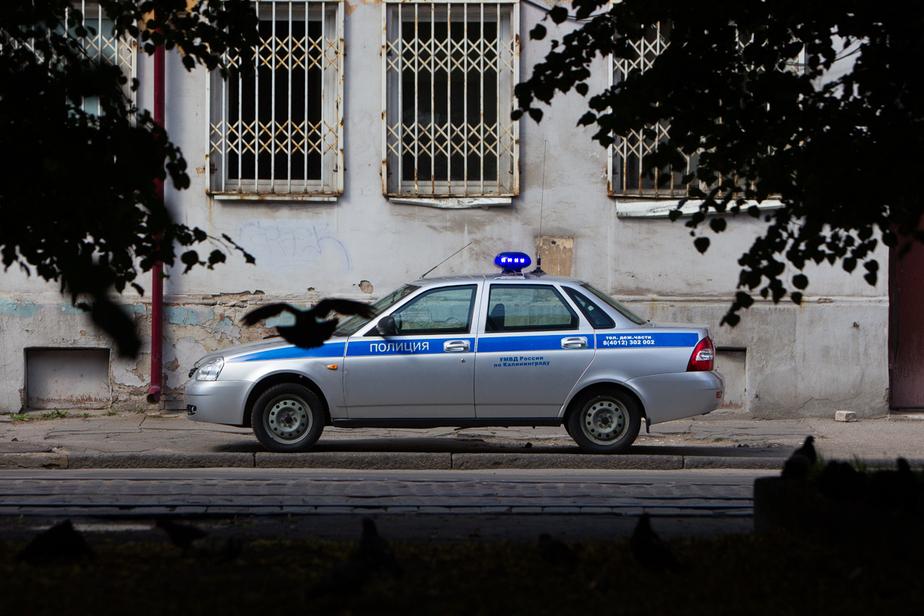 Молодой калининградец украл в кафе деньги на выпивку - Новости Калининграда