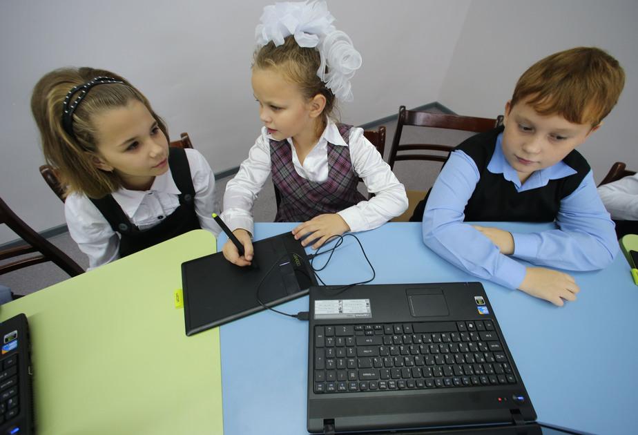 Жириновский выступил за перенос начала учебного года на 1 октября  - Новости Калининграда