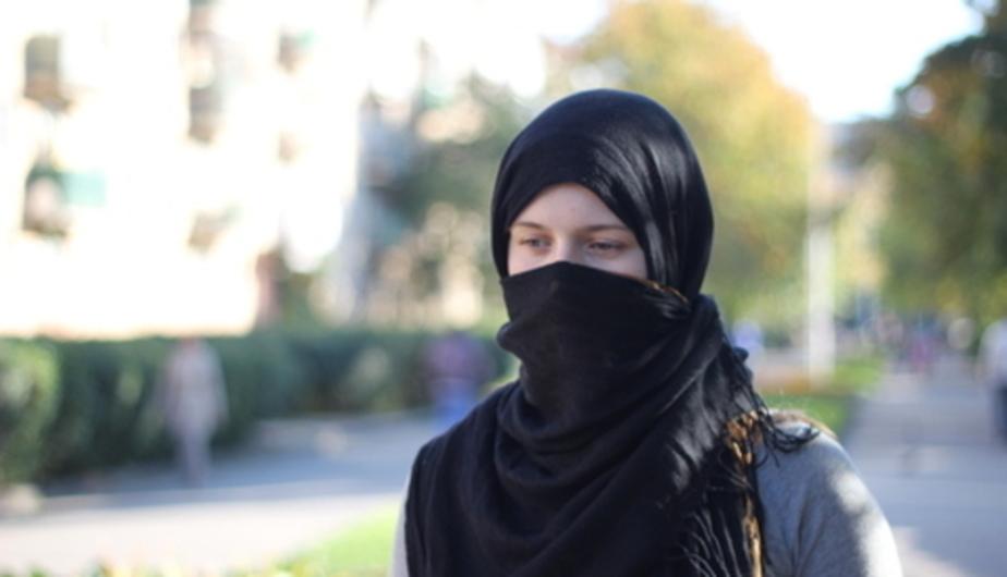 """""""Страшная сказка ИГИЛ"""": в сети появилась брошюра для родителей, чьих детей хотят завербовать террористы"""