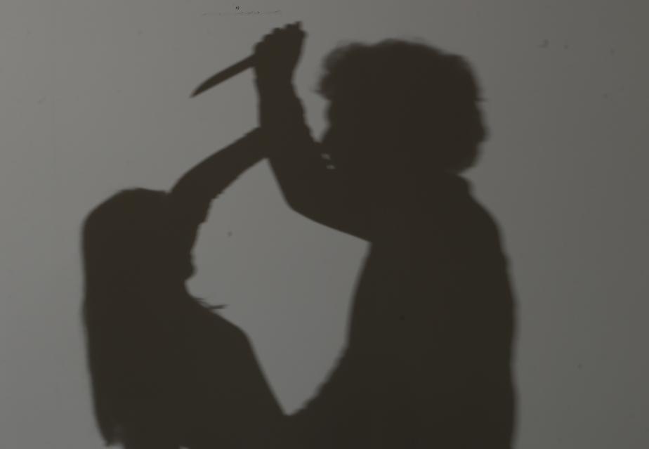 Калининградец ударил девушку ножом в грудь за то, что она замахнулась на него палкой - Новости Калининграда