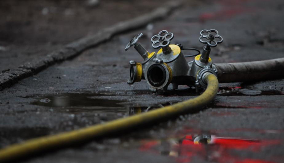 Пожарные потушили горевшую сажу в доме под Правдинском - Новости Калининграда