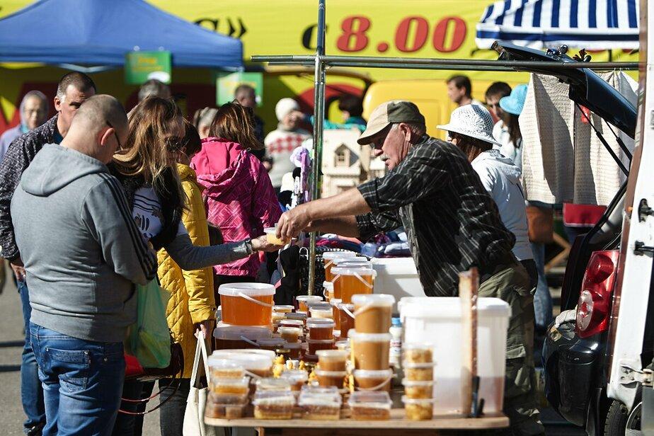 Натуральные продукты напрямую от фермеров: ярмарка на Тихорецкой привлекает всё больше калининградцев - Новости Калининграда