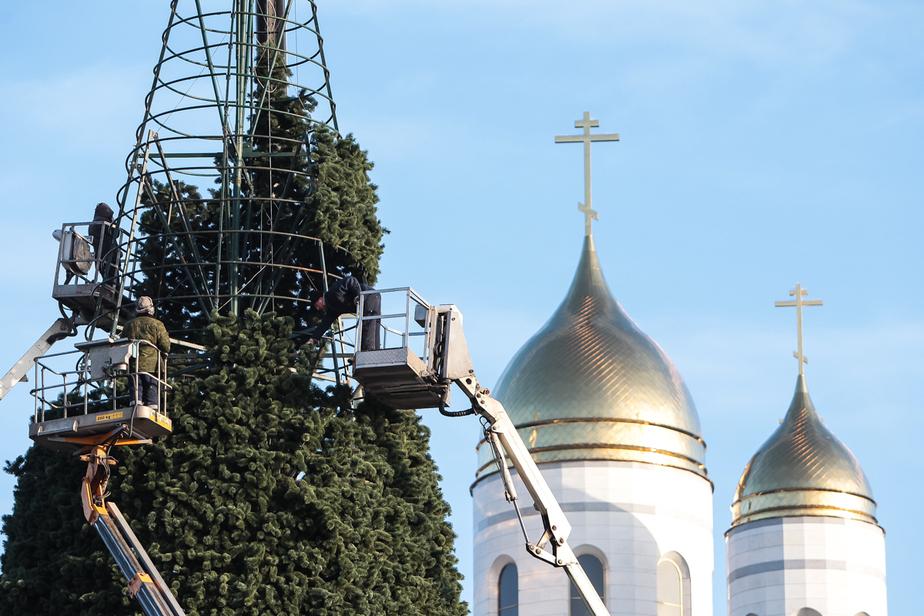 Калининград заплатит за новогодние украшения почти на миллион меньше, чем в прошлом году  - Новости Калининграда