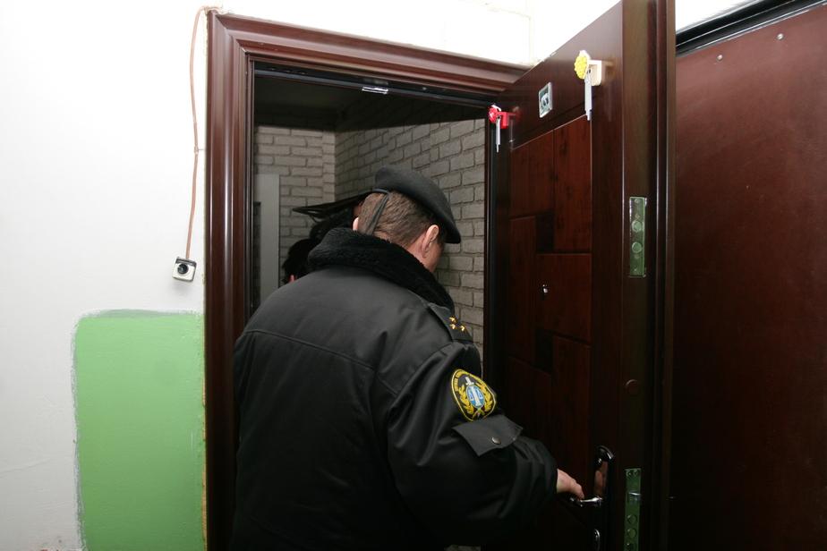 Калининградские приставы арестовали 10 автомобилей стройфирмы
