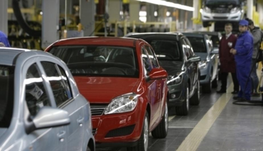 Только 13% российских семей могут позволить себе покупку нового автомобиля и квартиры - Новости Калининграда