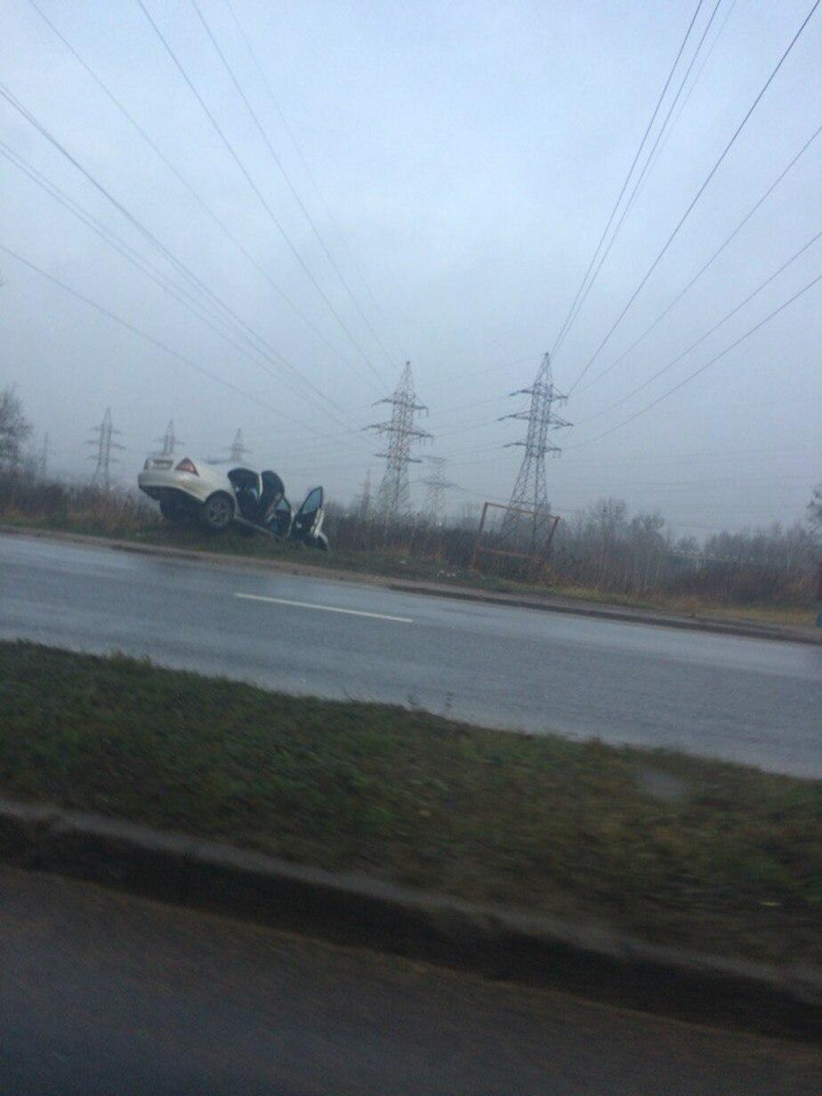 На выезде из Калининграда автомобиль выехал на мототрассу
