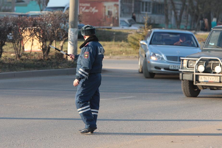 Госдума разрешила лишать водительских прав за неуплату штрафов и алиментов