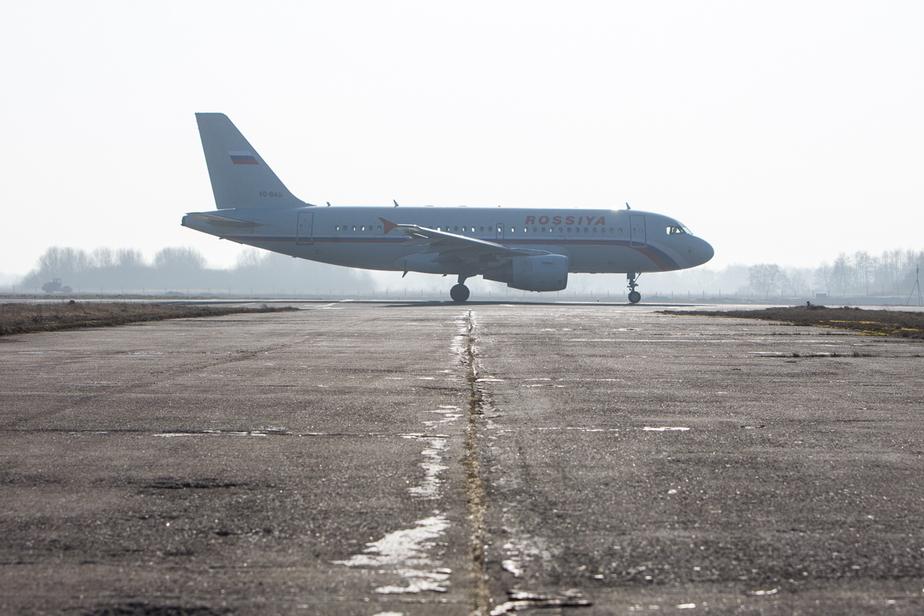 Песков: Возможное решение Киева прекратить авиасообщение с Россией - очередной акт безумия - Новости Калининграда