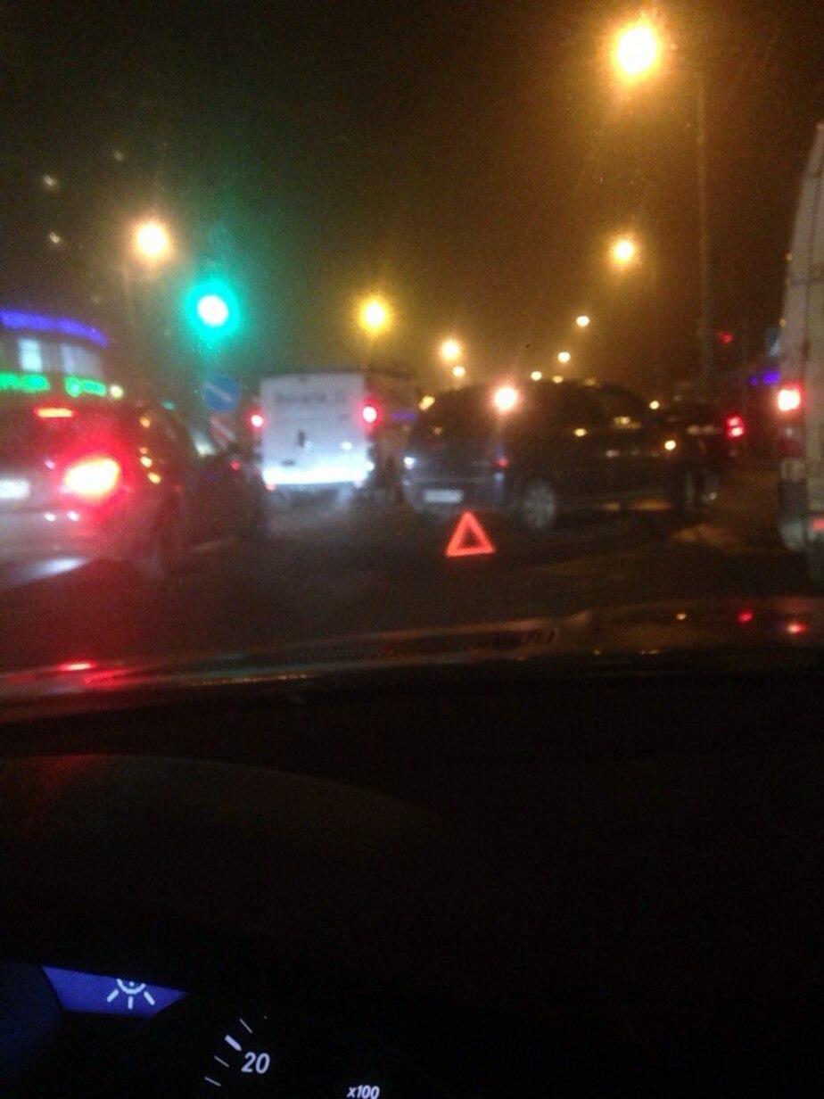 Вечерний гололёд спровоцировал несколько аварий в Калининграде  - Новости Калининграда