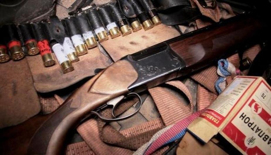 В Славском районе охотник случайно застрелил односельчанина