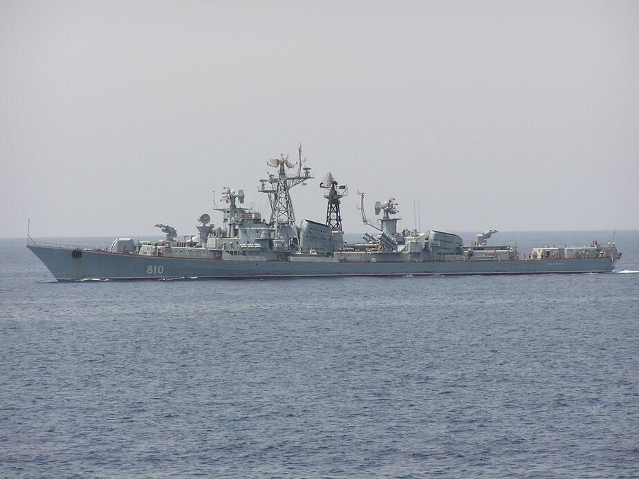 В Эгейском море турецкий сейнер едва не протаранил российский военный корабль - Новости Калининграда
