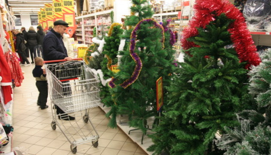 Депутаты предлагают сократить новогодние праздники до одного дня