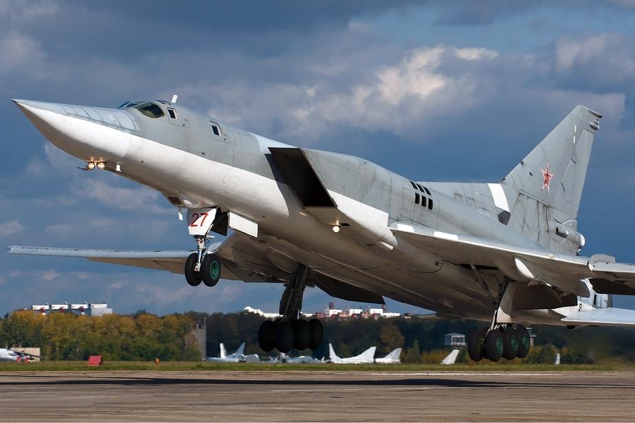 Шведские истребители сопроводили российские бомбардировщики над Балтикой - Новости Калининграда
