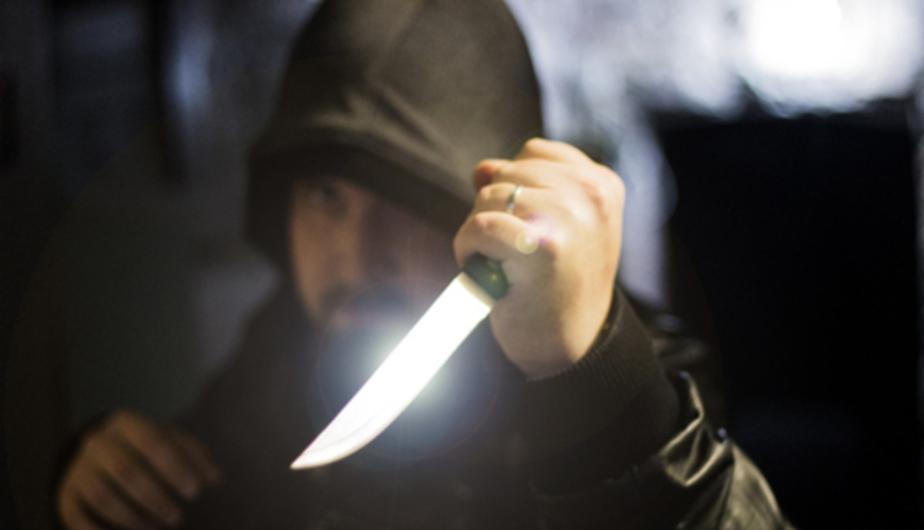 Житель Балтийска убил знакомого, располосовав ему руки бритвой