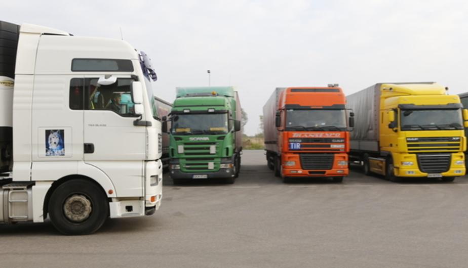 """Калининградские грузовики ездят по поселковым дорогам, чтобы избежать оплаты по системе """"Платон"""""""