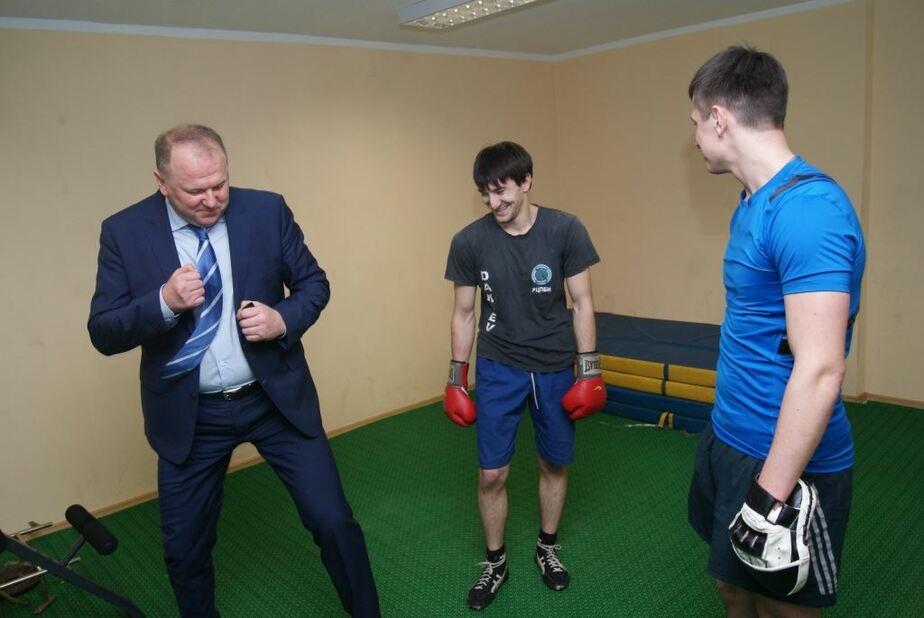 Цуканов повредил руку, занимаясь боксом - Новости Калининграда