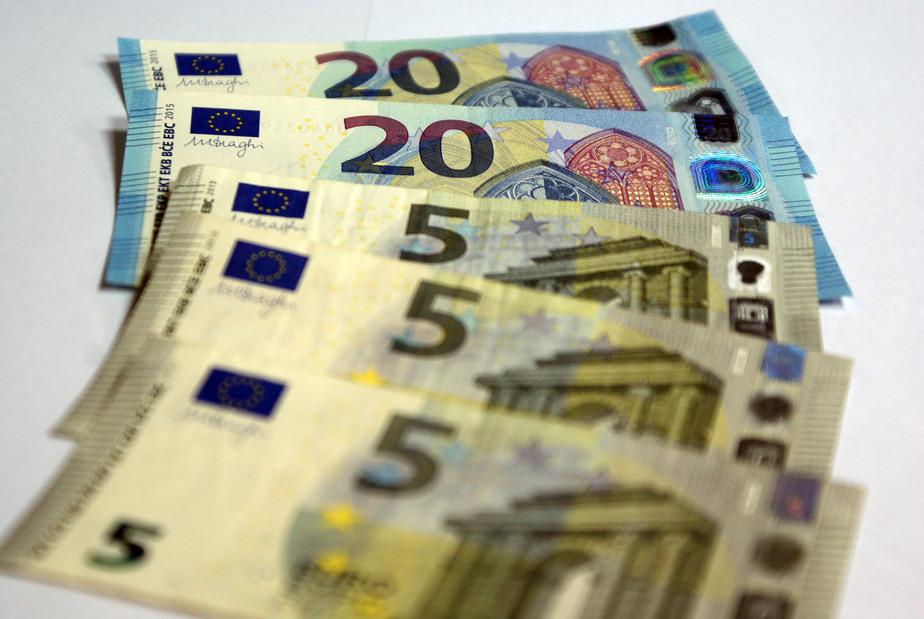 Биржевые курсы евро и доллара идут вверх - Новости Калининграда