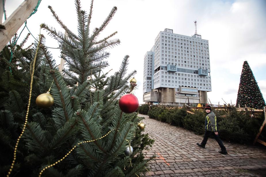 В центре Калининграда откроется рождественская ярмарка с казаном и печью - Новости Калининграда