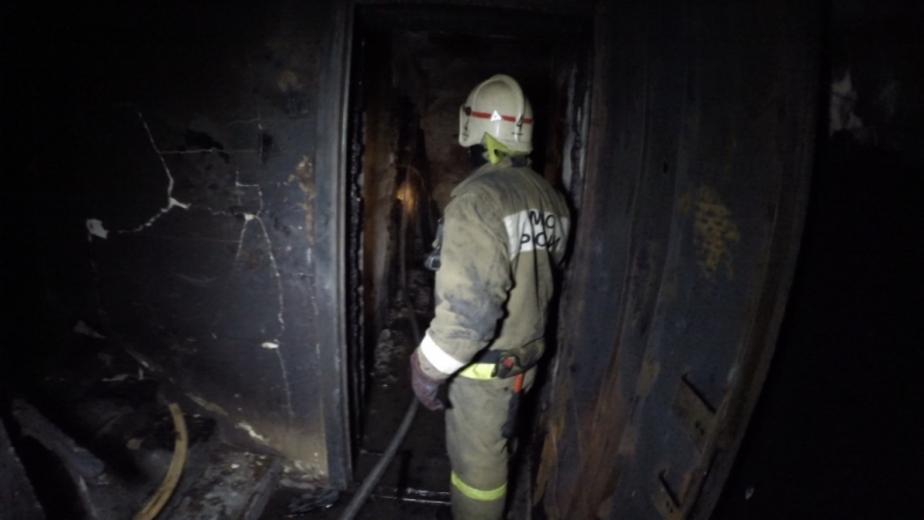 В Калининграде из горящей квартиры эвакуировали мужчину с отравлением  - Новости Калининграда