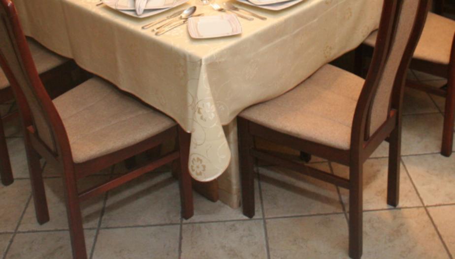 Калининградец хочет отсудить 100 тысяч с гостиницы, где отравился ужином