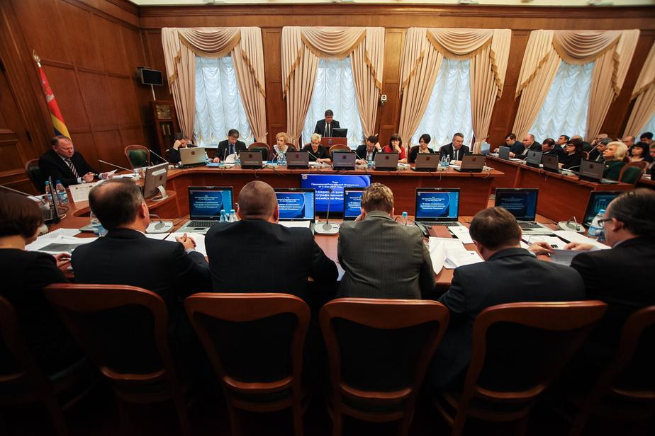 Чиновников предложили лишить персональных водителей и отпусков по 45 дней - Новости Калининграда