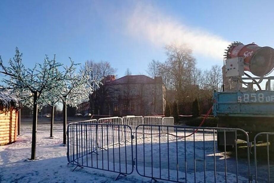 Улицы Гусева посыпают снегом из пушки  - Новости Калининграда