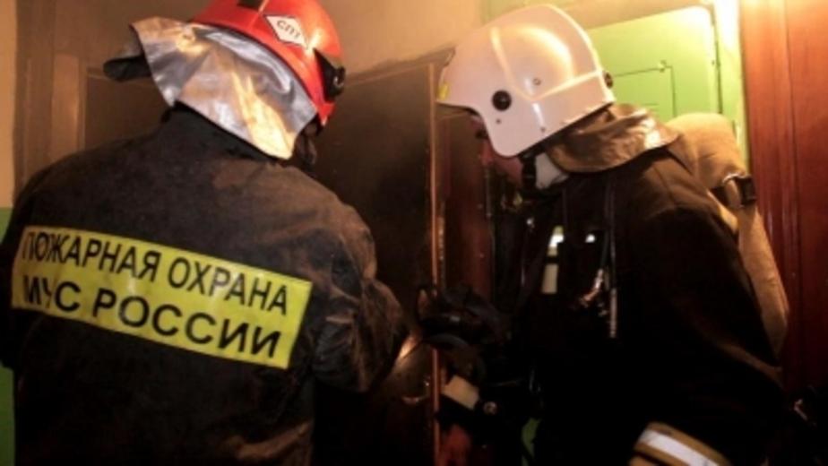 Под Калининградом 32 пожарных тушили мебельный цех