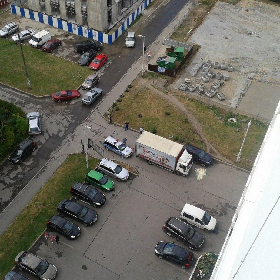 На улице Интернациональной грузовик, сдавая назад, переехал пенсионера (фото)  - Новости Калининграда