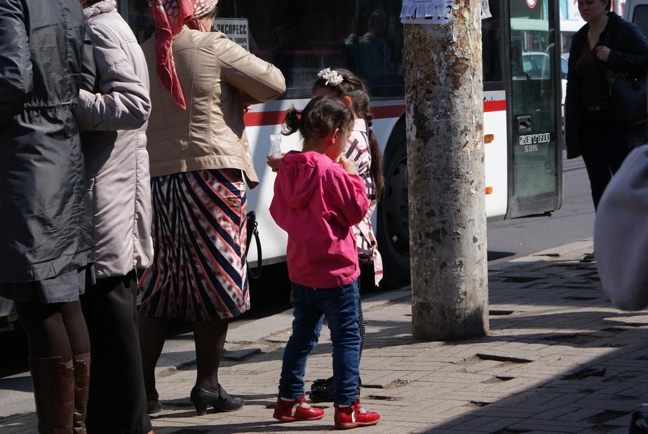 Медведев подписал постановление о субсидиях на третьего ребёнка и следующих детей