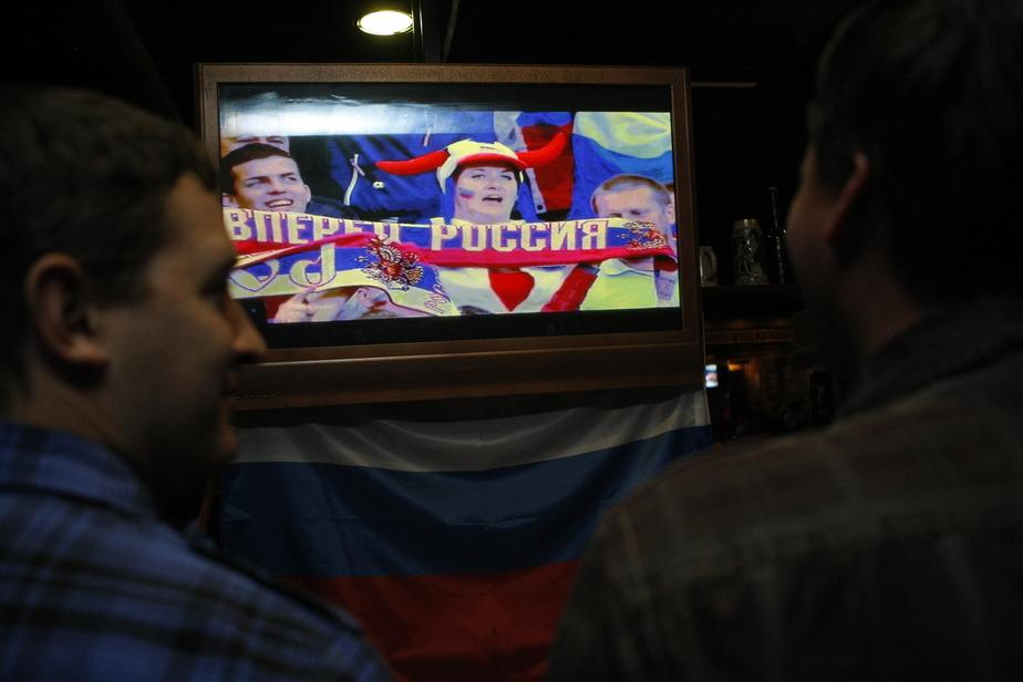Минтранс: болельщики во время ЧМ-2018 смогут разукрашивать вагоны поездов - Новости Калининграда