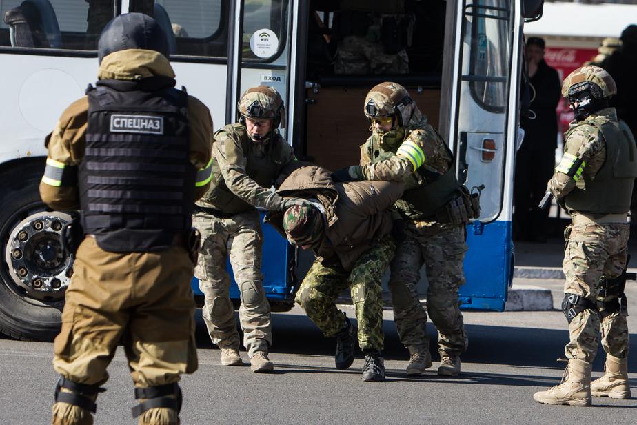 Бойцы ФСБ отработали защиту Правдинской электростанции от атаки террористов - Новости Калининграда