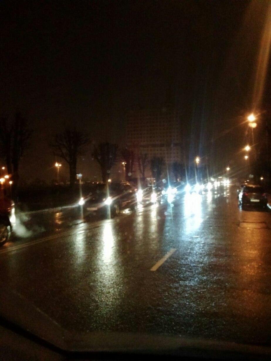 Центр Калининграда встал в вечерних пробках из-за нескольких аварий