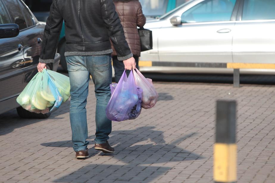 70% россиян перешли на покупку дешёвых товаров - Новости Калининграда