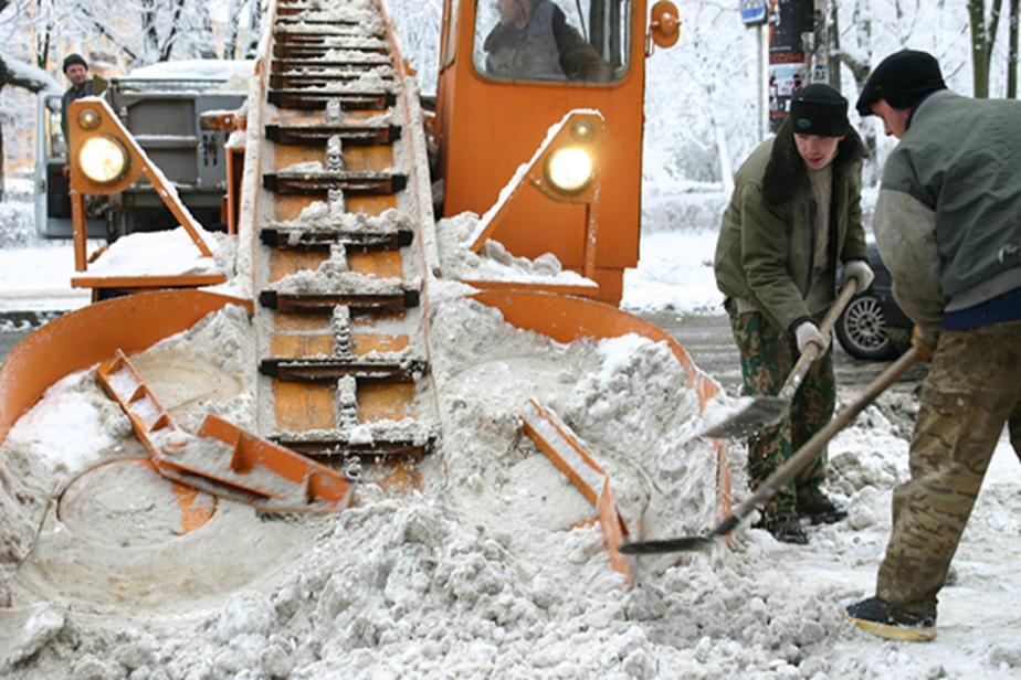 """Правительство: МП """"Чистота"""" не справляется с уборкой снега в Калининграде"""