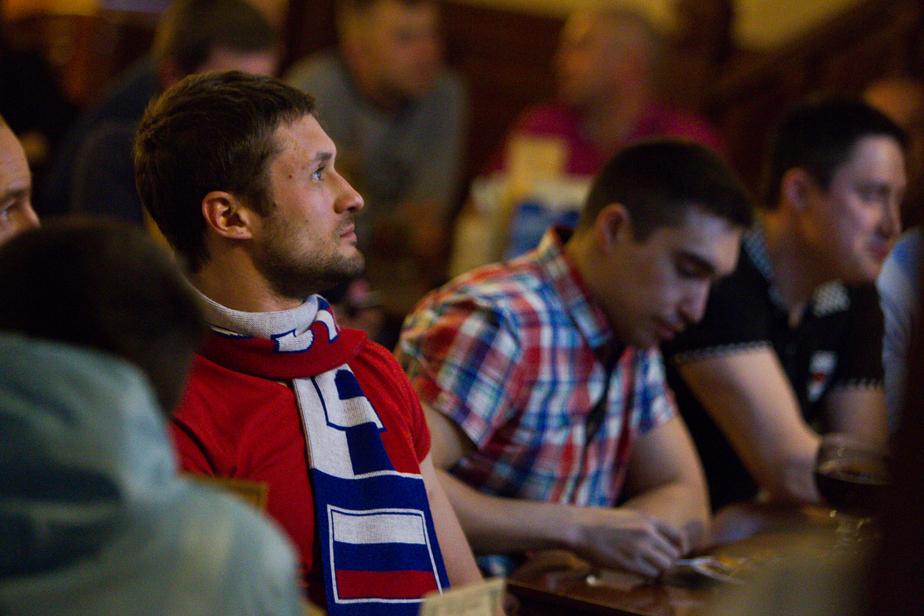 Цуканов рассказал, сколько калининградцев занимаются футболом