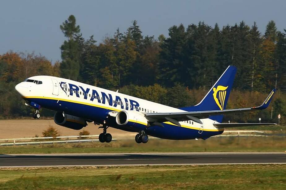 Лоукостер Ryanair собирается снизить цены на авиабилеты в следующем году