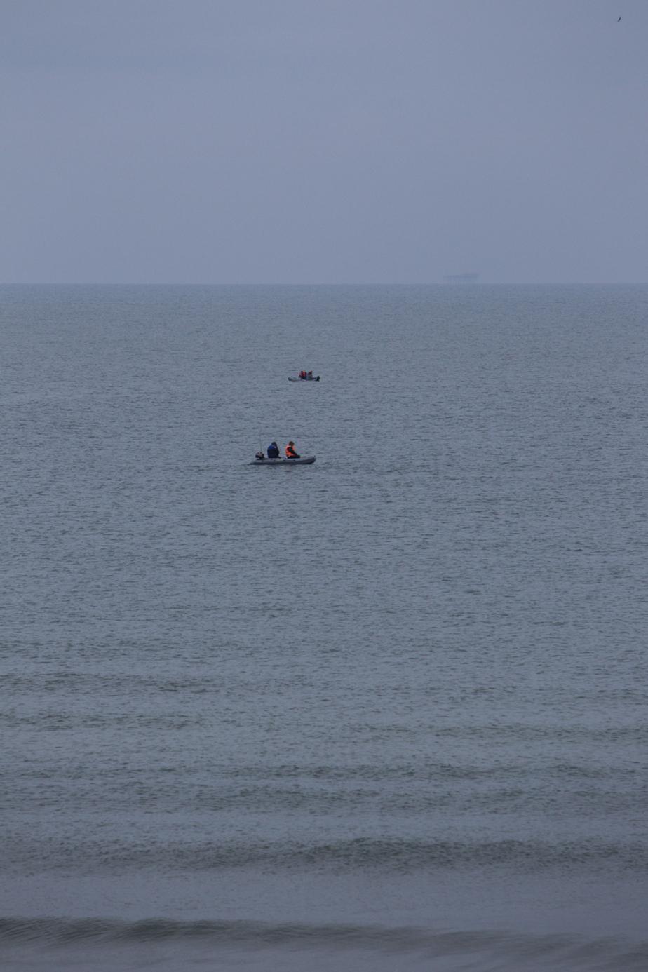 Поиски с воздуха пропавших в Калининградском заливе рыбаков не принесли результатов  - Новости Калининграда