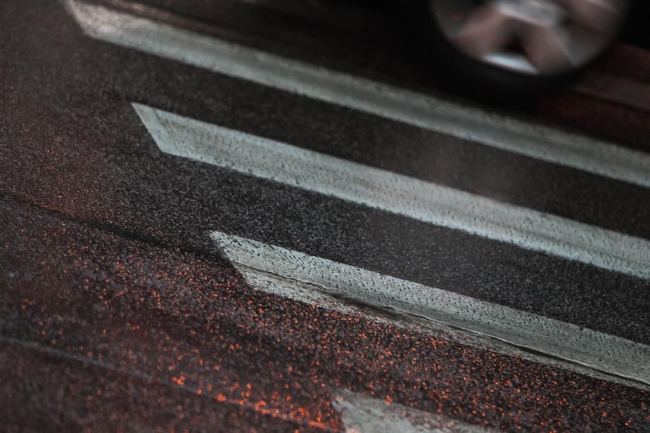 """На улице Гагарина """"Лэнд Крузер"""" сбил пенсионерку на пешеходном переходе  - Новости Калининграда"""