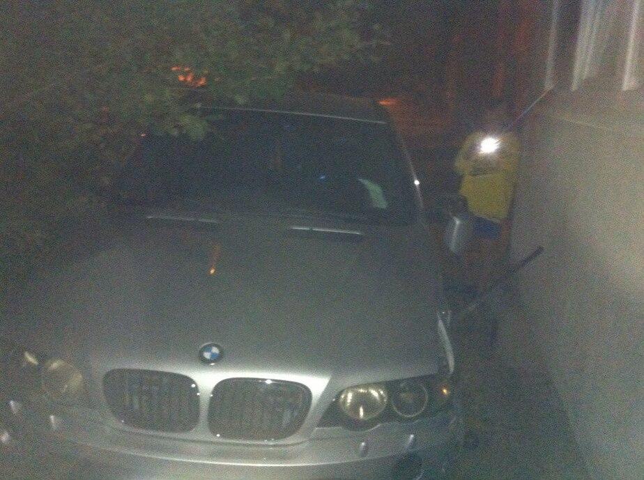 В Прибрежном БМВ X5 врезался в стену жилого дома  - Новости Калининграда