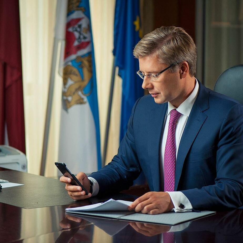 Мэр Риги не отстоял в суде право писать в соцсетях на русском и английском языках  - Новости Калининграда