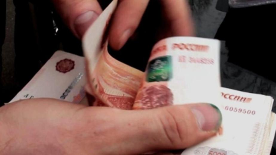 В Калининграде задержали инспектора ГИБДД, который требовал от водителя 30 тысяч рублей  - Новости Калининграда