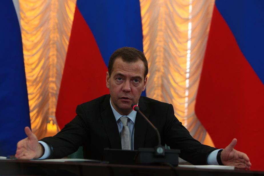 Медведев потребовал завершить строительство аэропортов и дорог для ЧМ-2018 в срок - Новости Калининграда