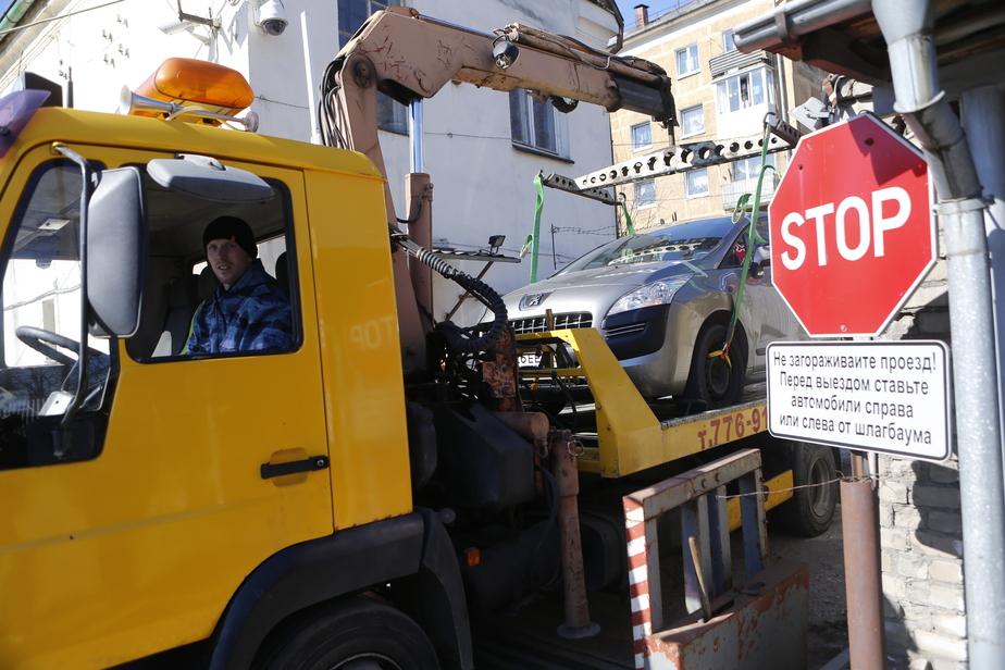 Калининградец нашёл исчезнувшую из автосервиса машину на штрафстоянке с долгом за хранение в 90 тысяч