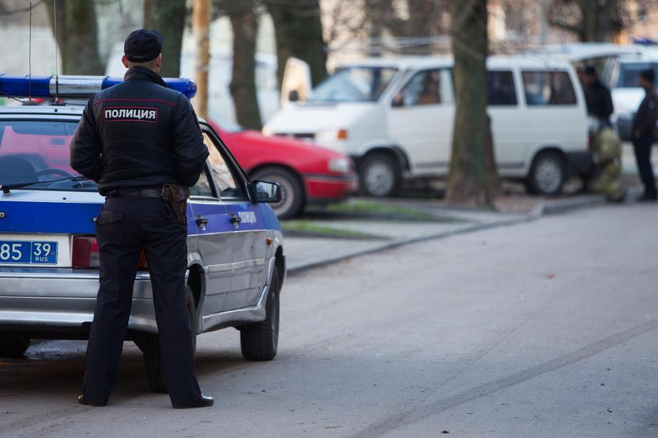В Калининграде приезжий ударил по голове бутылкой официантку кафе и ограбил ее - Новости Калининграда