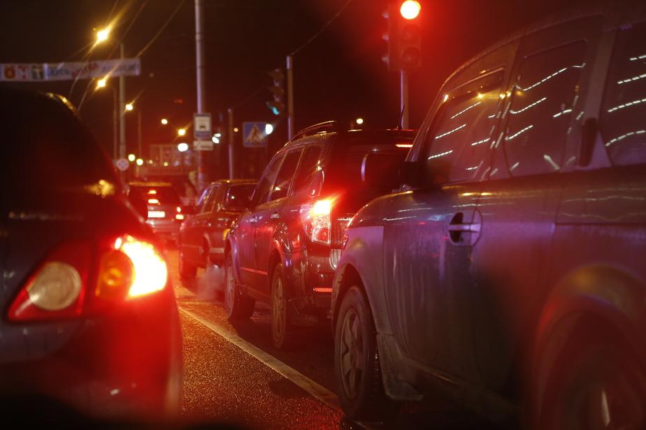 Из-за аварии на улице Дзержинского образовалась пробка в сторону центра города - Новости Калининграда